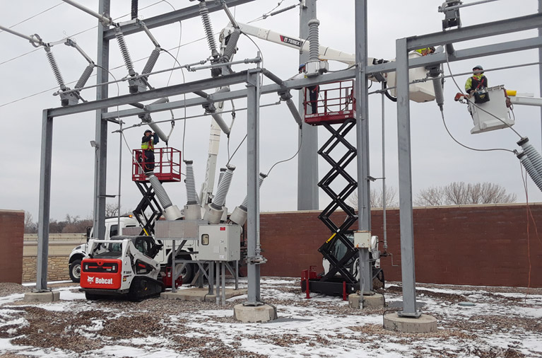 Skid-Lift S Models used by Moorhead Public Utility