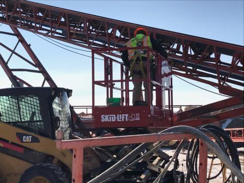 Skid-Lift used for Conveyor Maintenance