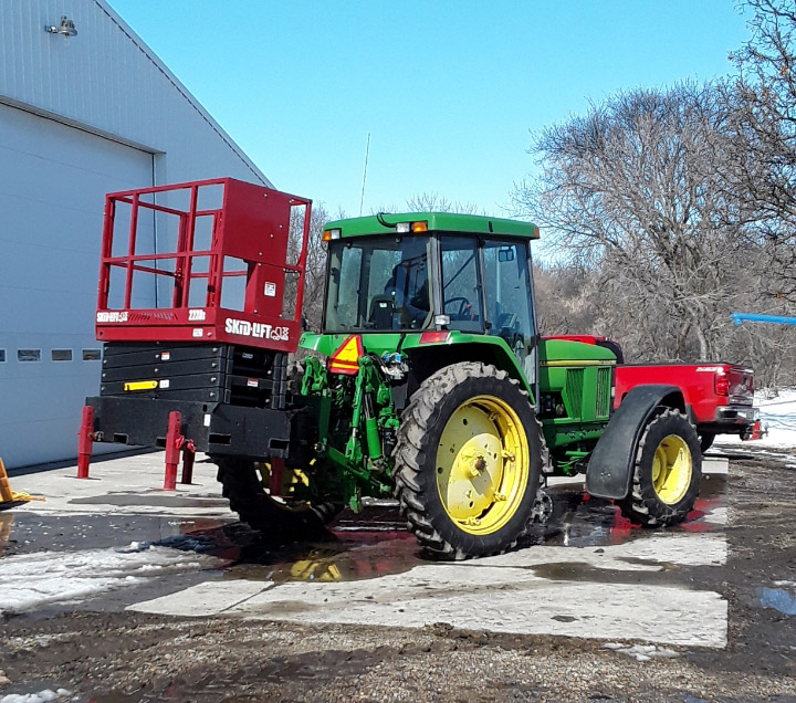 2230s on Larger John Deere Tractor Up on 3 Point